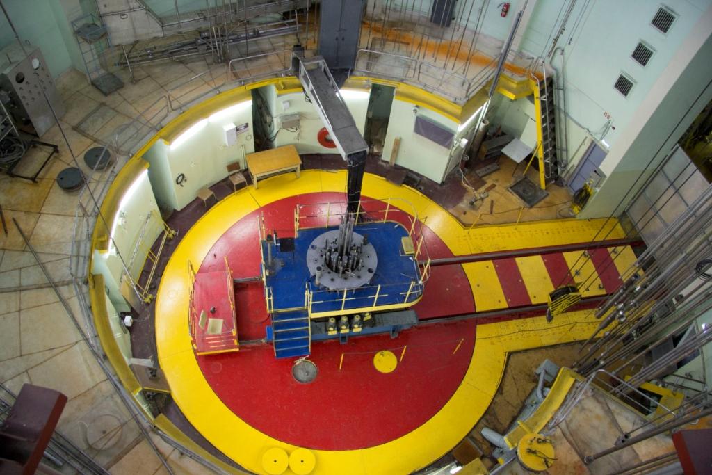 jaderná energie - Druhá etapa vývoje ruského tolerantního paliva byla dokončena - Palivový cyklus (Reaktor MIR ve kterem probiha testovani tolerantniho paliva) 1