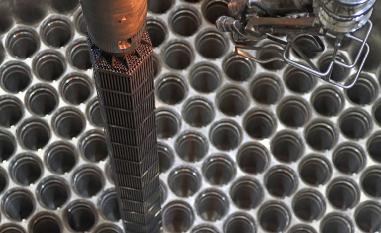jaderná energie - Začalo zavážení imitátorů paliva do 2. bloku Běloruské JE - Nové bloky ve světě (Zavazeni imitatoru paliva do druheh bloku Beloruske jaderne elektrarny) 1