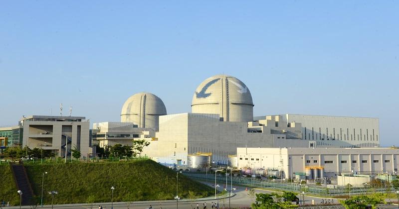 3. a 4. blok jaderné elektrárny Shin Kori s reaktory APR-1400. (Zdroj: KHNP)
