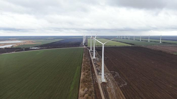 jaderná energie - Po 9 měsících začala větrná elektrárna Rosatomu dodávat elektřinu na velkoobchodní trh - Životní prostředí (Karmalinovska vetrna elektrarna o vykonu 60 MW) 1