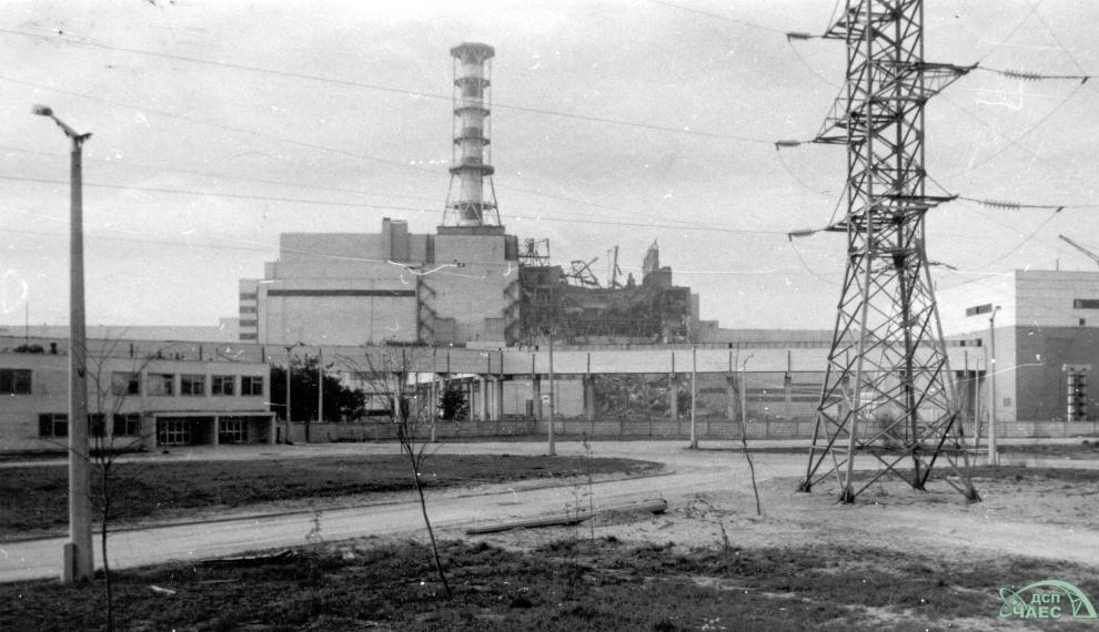 3. a 4. blok Černobylské elektrárny po havárii. (Zdroj: CHNPP.gov.ua)