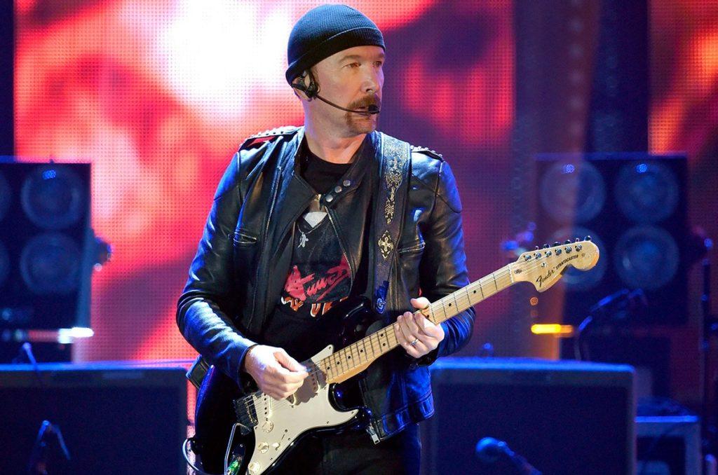 Kytarista David The Edge Evans z irské kapely U2. (Zdroj: Atomic-energy.ru)