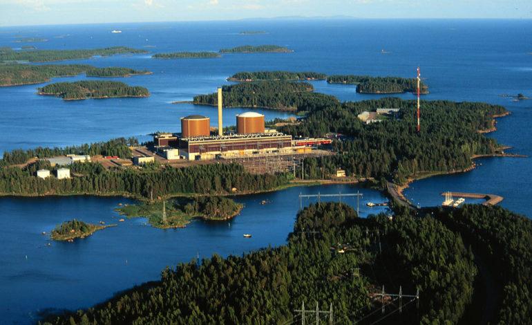 jaderná energie - Rosatom vyvinul nové jaderné palivo pro finskou JE Loviisa se sníženým obohacením - Palivový cyklus (Jaderna elektrarna Loviisa se dvema bloky VVER 440 Zdroj Fortum 1) 2