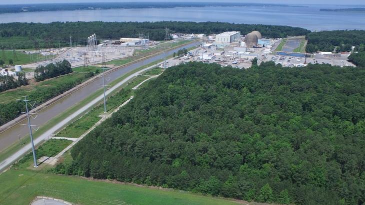 Jaderná elektrárna Surry se dvěma tlakovodními bloky o výkonu 890 MWe od společnosti Westinghouse. (Zdroj: Dominion Energy)