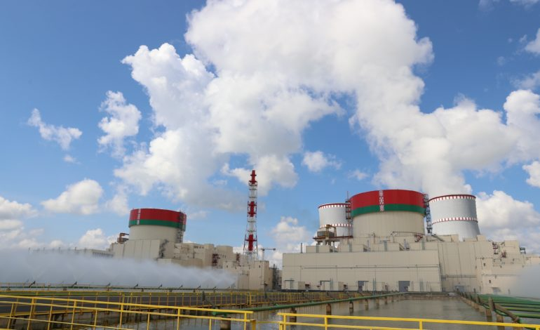 jaderná energie - První blok Běloruské JE vstoupil do komerčního provozu - Nové bloky ve světě (Beloruska jaderna elektrarna se dvema bloky VVER 1200 1) 1