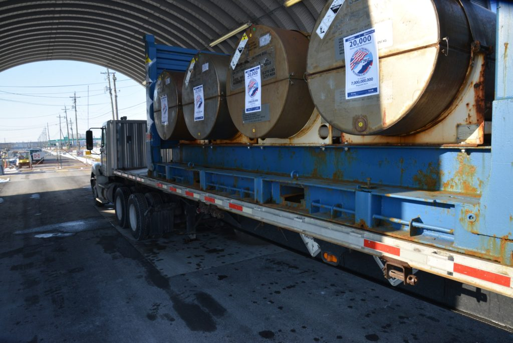 Poslední dodávka uranu v rámci Megatons to Megawatts v listopadu 2013. (Zdroj: CentrusEnergy.com)