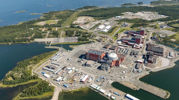 jaderná energie - Záložní baterie pro JE Olkiluoto - Nové bloky ve světě (Olkiluoto plant aerial TVO) 1