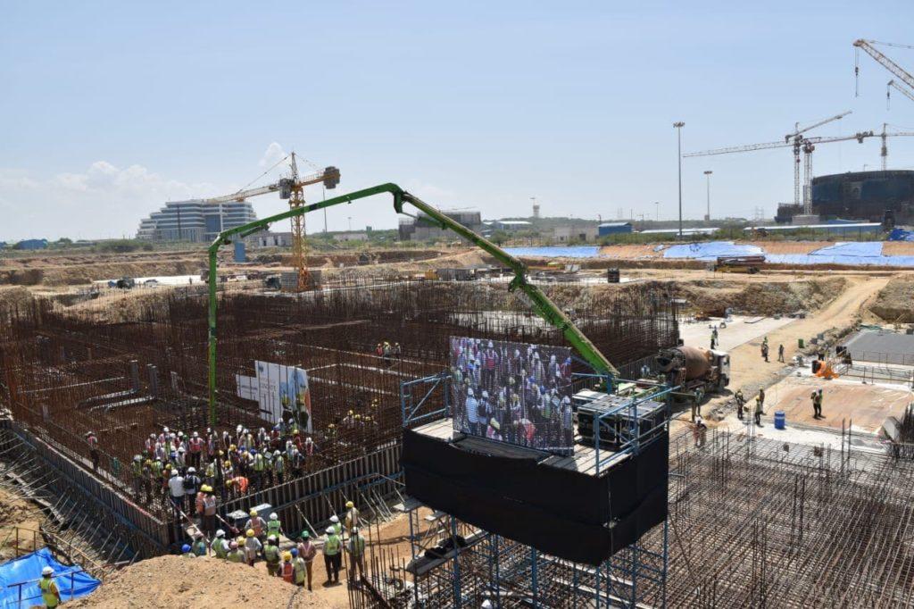 Slavnostní lití prvního betonu do 5. bloku JE Kudankulam. (Zdroj: Rosatom)