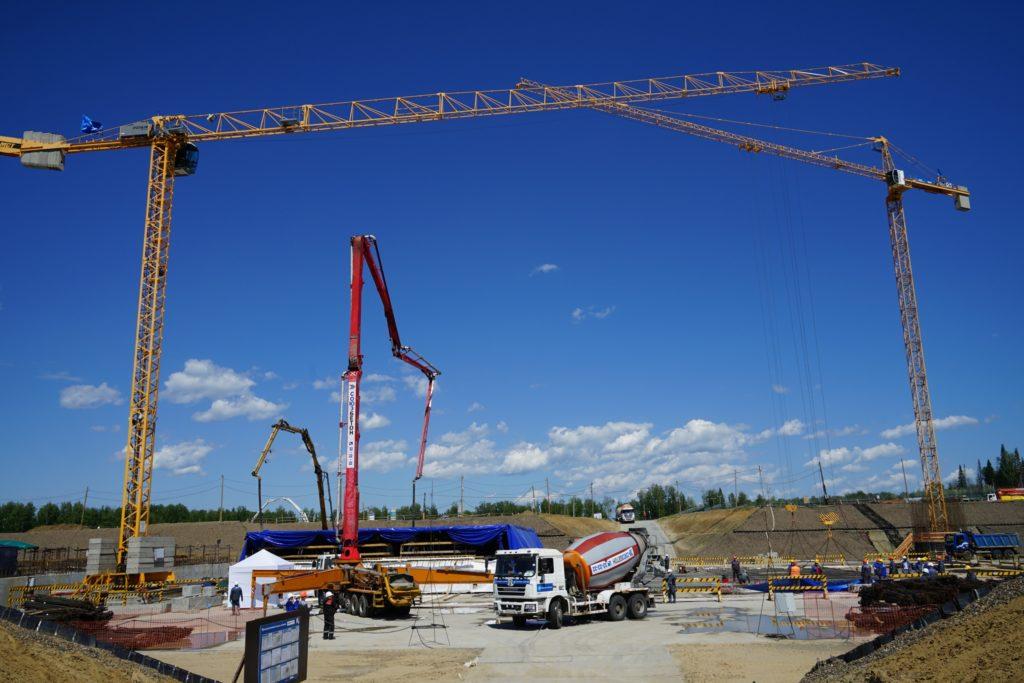 První beton na reaktoru BREST-OD-300. (Zdroj: Rosatom)