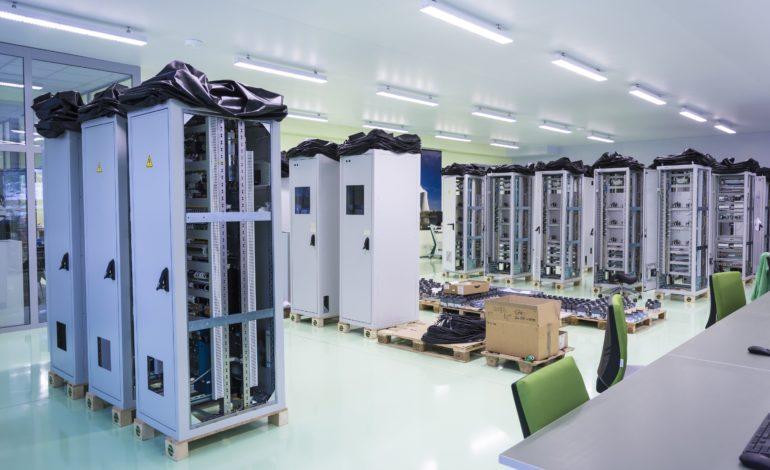 jaderná energie - Česká firma ZAT finišuje s dodávkami pro francouzské jaderné elektrárny - V Česku (ZAT Zkusebna vyroby dodavek 1) 2