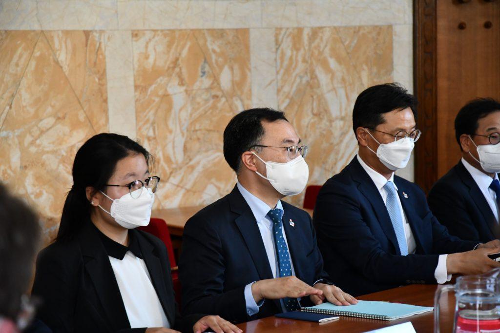 Jihokorejská státní návštěva v prostorách MPO. (Zdroj: MPO)