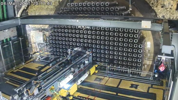 Rozebírání reaktoru CANDU 750 B v 6. bloku jaderné elektrárny Bruce. (Zdroj: Bruce Power)