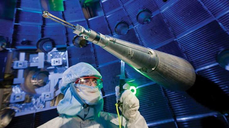Laserová komora v National Ignition Facility. (Zdroj: LLNL)