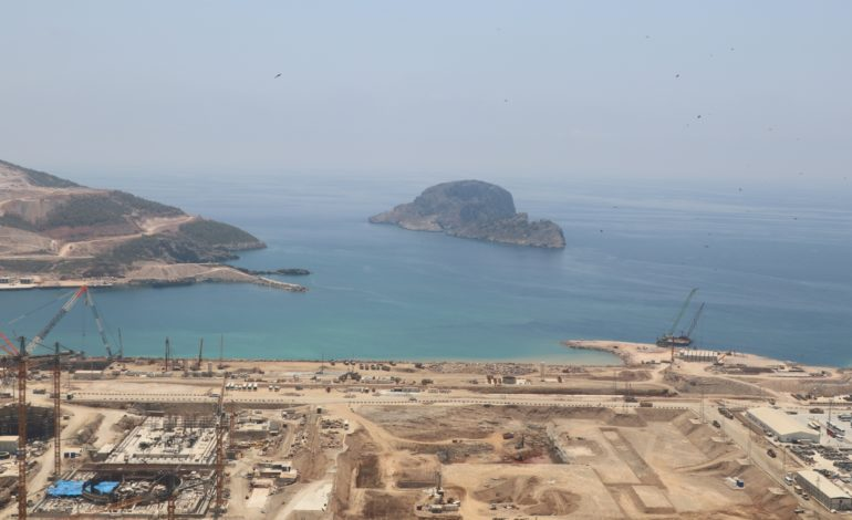 jaderná energie - V Turecku začaly výkopy základů 4. bloku JE Akkuyu - Nové bloky ve světě (Zakladova jama 4. bloku jaderne elektrarny Akkuyu v Turecku 2560) 2