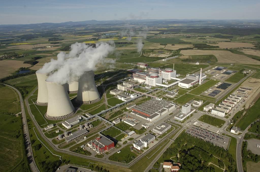 Při dokončování jaderné elektrárny Temelín byly v 90. letech použity řídicí systémy od Westinghouse. (Zdroj: ČEZ)