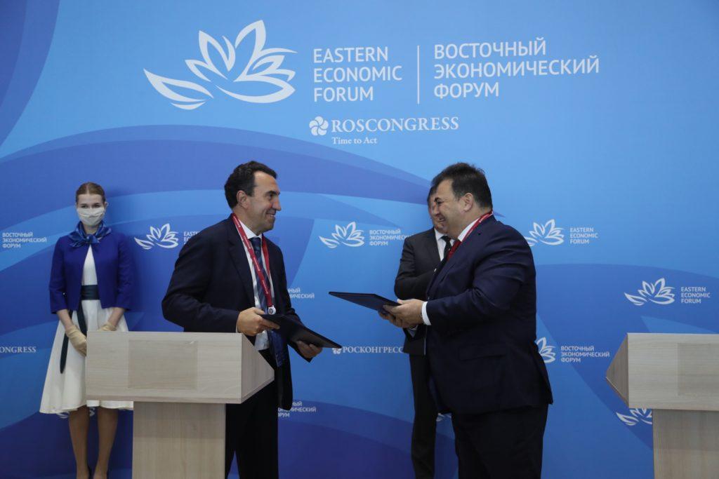 Podpis dohody o plovoucích jaderných elektrárnách pro Baimský těžební kombinát. (Zdroj: Rosatom)