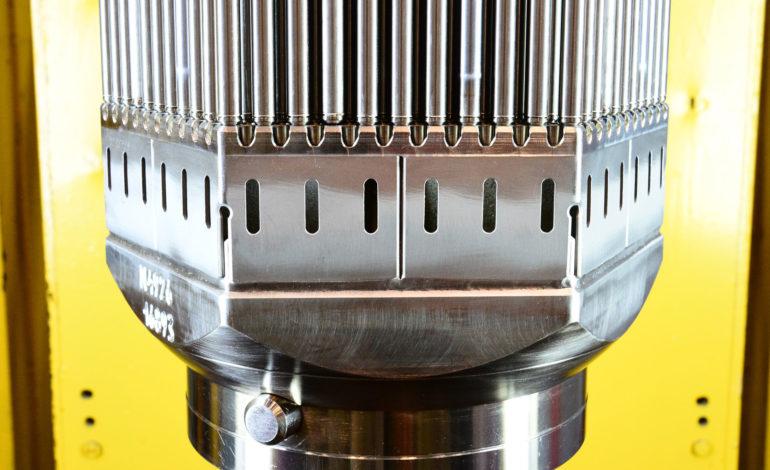 jaderná energie - Rosatom testuje tolerantní palivo v Rostovské JE - Palivový cyklus (Spodni cast kazety TVS 2M s tolerantnimi palivovymi proutky) 2