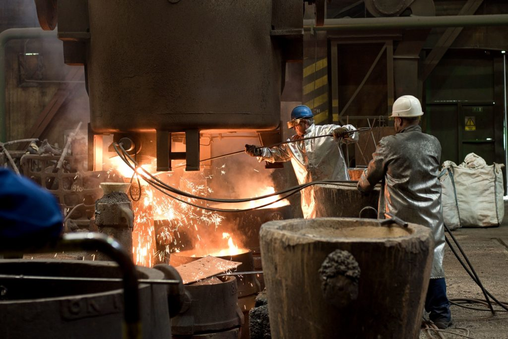 Tavba oceli ve ŽĎASu. (Foto: Atominfo)